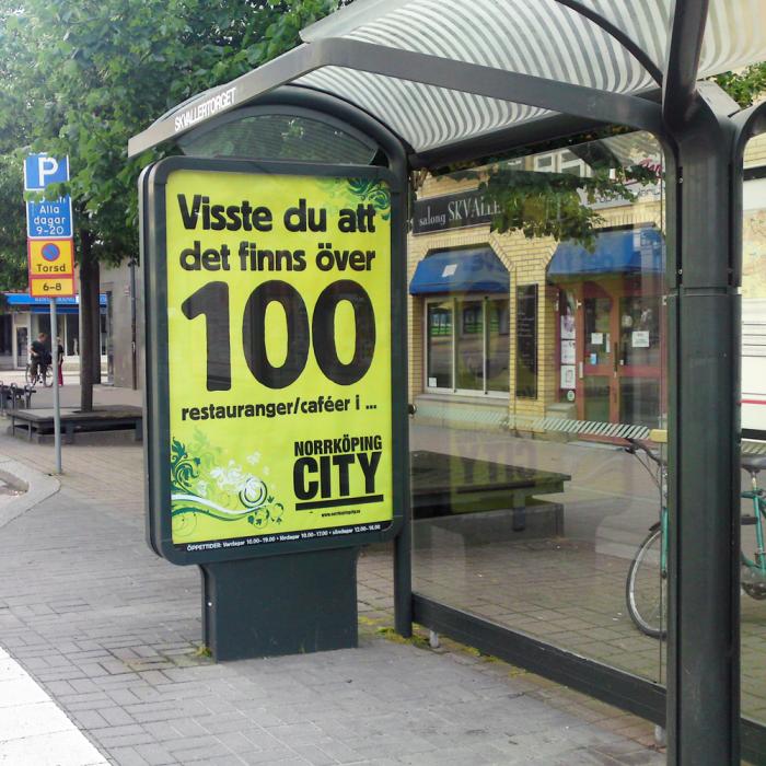 Infotavlor i städer som tryck på eurosize poster