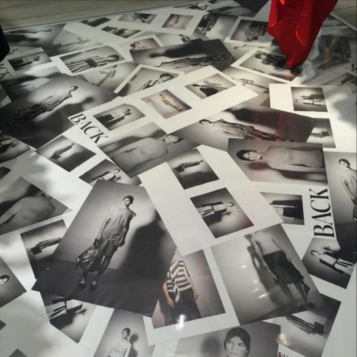 Reklamfolier som klisterdekal på golv