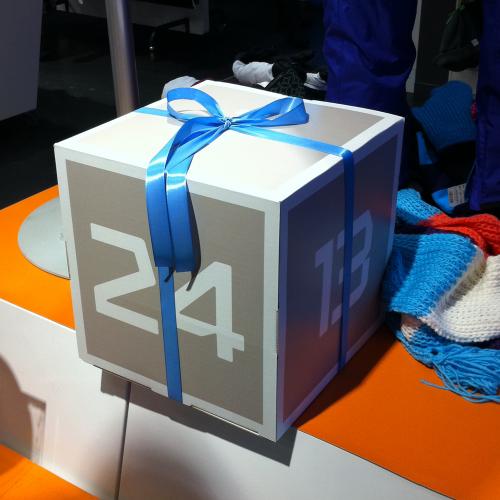 Cellkartong som tryck kub eller låda